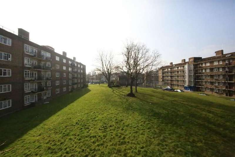 3 Bedrooms Apartment Flat for sale in Mortimer Crescent, London