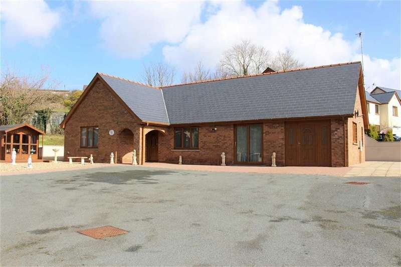 3 Bedrooms Detached Bungalow for sale in Sycamore Street, Pembroke Dock