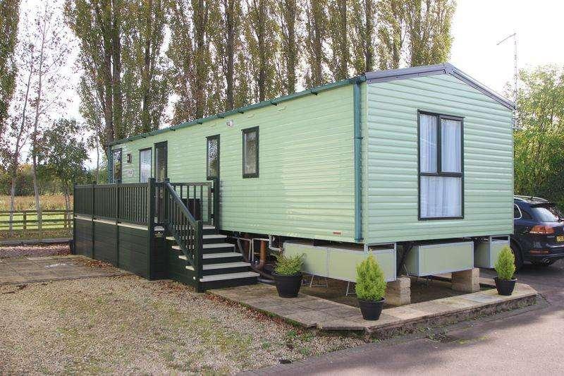 3 Bedrooms Caravan Mobile Home for sale in Rayford Park, Tiddington Road, Stratford-Upon-Avon