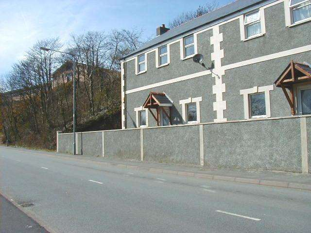 2 Bedrooms Flat for rent in Flat 1 Caradog Wells Caradog Road Haverfordwest Pembs.