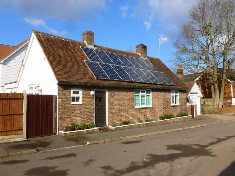 3 Bedrooms Detached House for sale in Beresford Road, Goudhurst, Kent, TN17 1DN