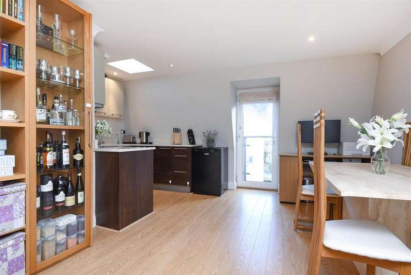 1 Bedroom Flat for sale in Grove Road, Barnes, London, SW13