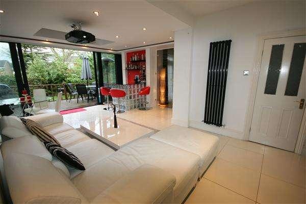 4 Bedrooms House for rent in Uxbridge Road, Harrow
