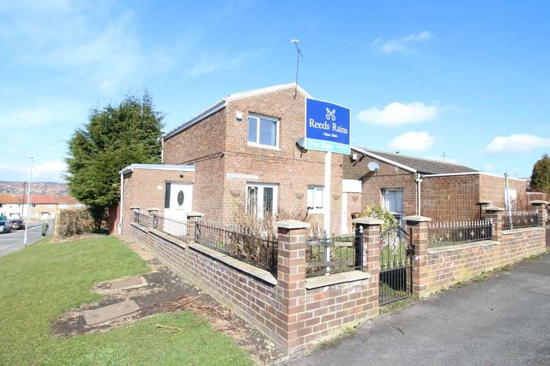 3 Bedrooms Detached House for sale in Bedburn Close, Crook, DL15