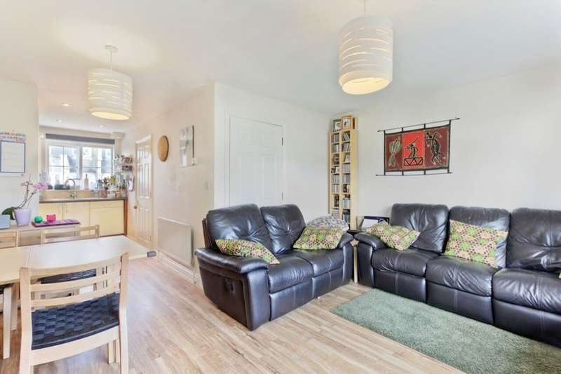 2 Bedrooms Property for sale in Tilson Close Coleman Road, Camberwell, London, SE5