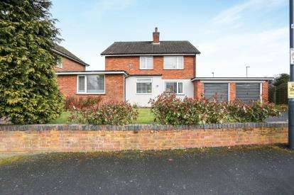 4 Bedrooms Detached House for sale in Montfort Road, Coleshill, Warwickshire, .