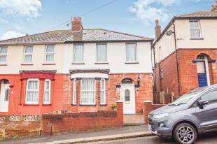 4 Bedrooms Semi Detached House for sale in Chevalier Road, Dover, Kent