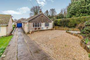 3 Bedrooms Bungalow for sale in Newnham Lane, Newnham, Sittingbourne, Kent