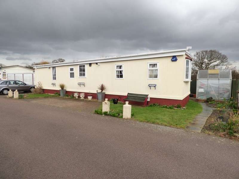 1 Bedroom Park Home Mobile Home for sale in Lilac Avenue, Wilstead, MK45 3WB