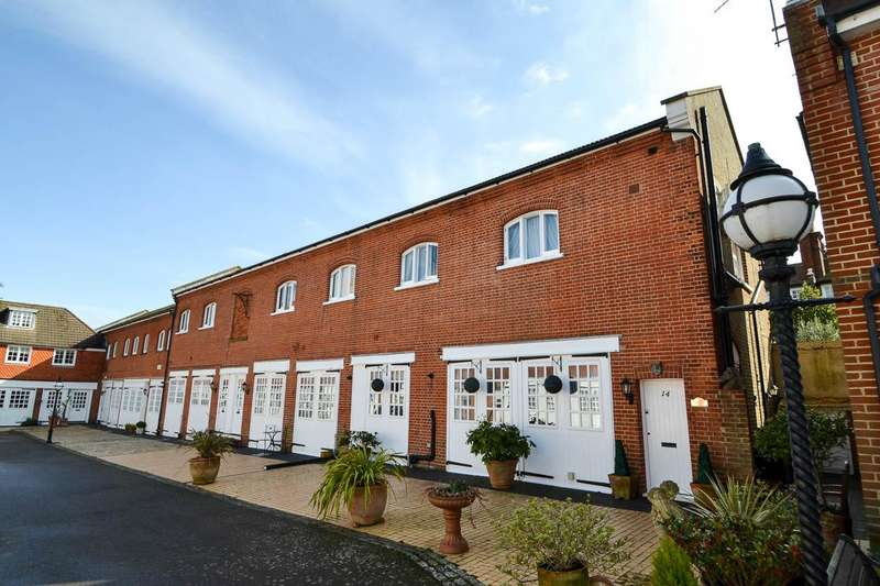 2 Bedrooms Semi Detached House for sale in De Walden Mews, Eastbourne