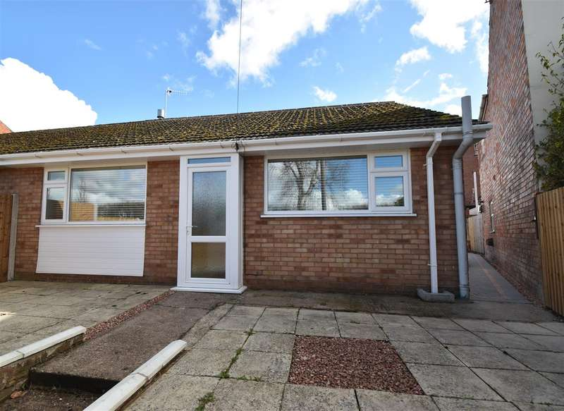 2 Bedrooms Semi Detached Bungalow for sale in Lansdowne Road, Worcester