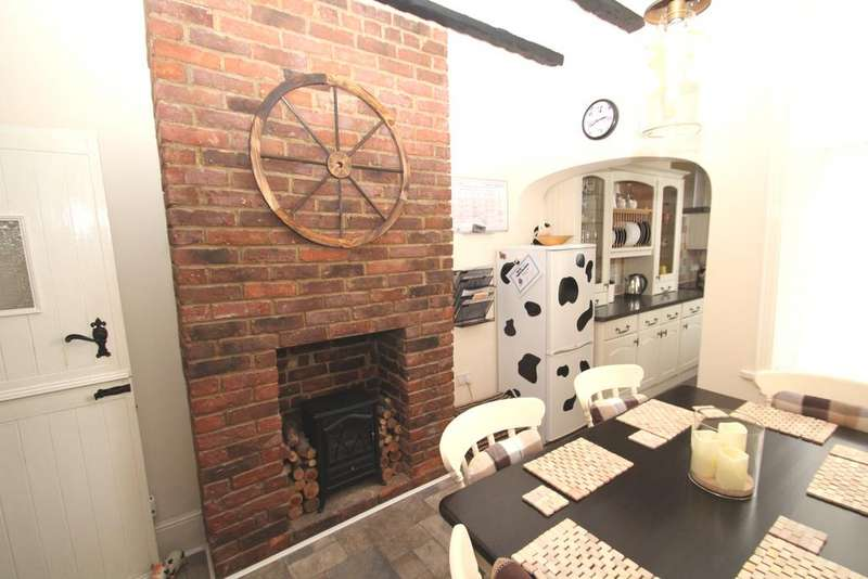 3 Bedrooms Terraced House for sale in Balfour Road, Portsmouth PO2