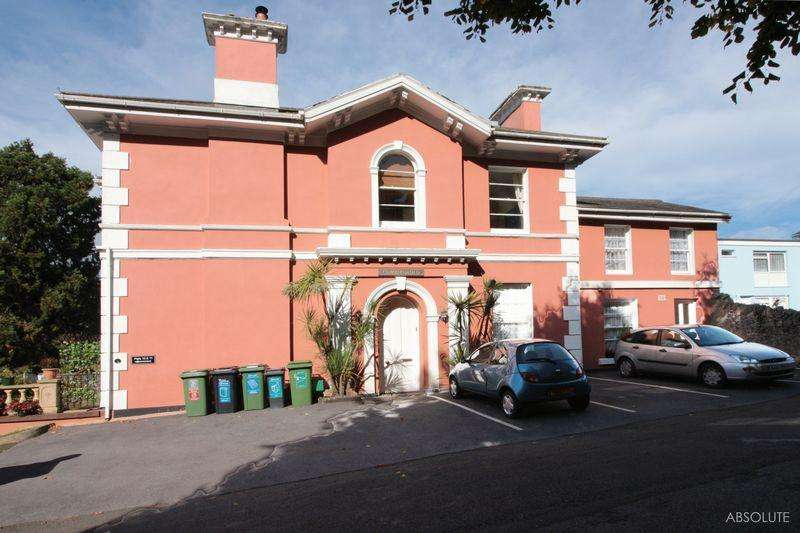 2 Bedrooms Apartment Flat for sale in Higher Erith Road, Torquay