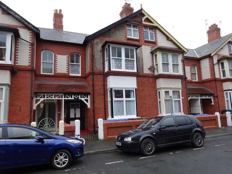 5 Bedrooms Terraced House for sale in Morlan Park, Rhyl