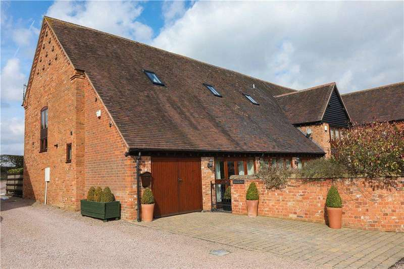 3 Bedrooms Barn Conversion Character Property for sale in Hewell Lane, Redditch, Worcestershire, B97