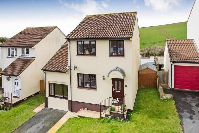 4 Bedrooms Detached House for sale in Hillside Close, Teignmouth, TQ14 9XE