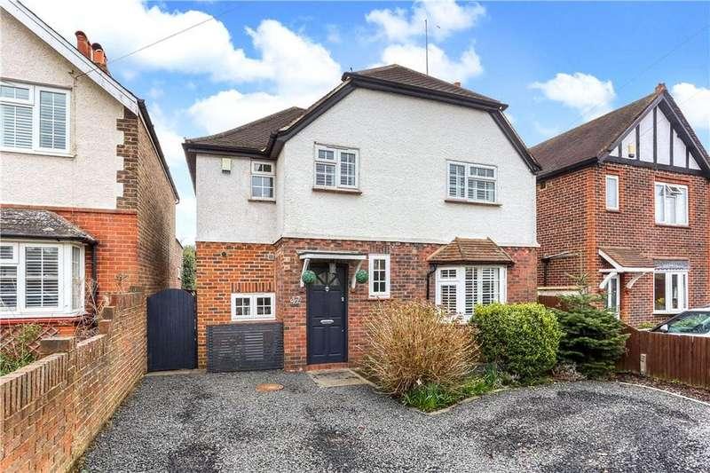 4 Bedrooms Detached House for sale in Freelands Road, Cobham, Surrey, KT11
