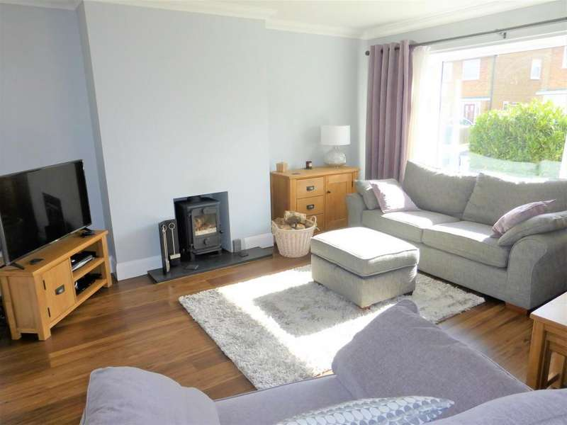 3 Bedrooms Semi Detached House for sale in Kilndown Close, Maidstone