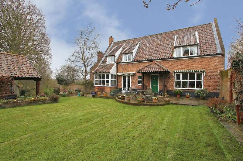 3 Bedrooms Detached House for sale in Watton Road, Colney