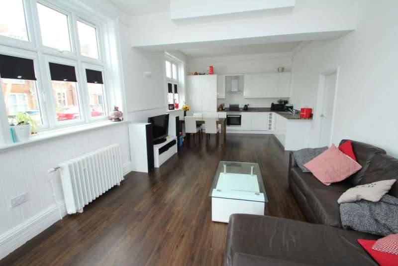 2 Bedrooms Flat for sale in Branford Road, Norwich