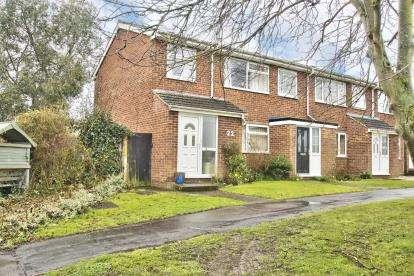 3 Bedrooms End Of Terrace House for sale in Lancelot Way, Fenstanton, Huntingdon, Cambridgeshire