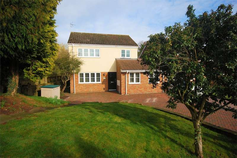 4 Bedrooms Detached House for sale in 1 Witchell, Wendover, Buckinghamshire