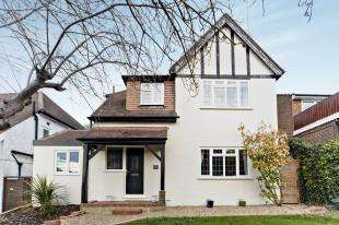 4 Bedrooms Detached House for sale in Haydn Avenue, Purley, Surrey