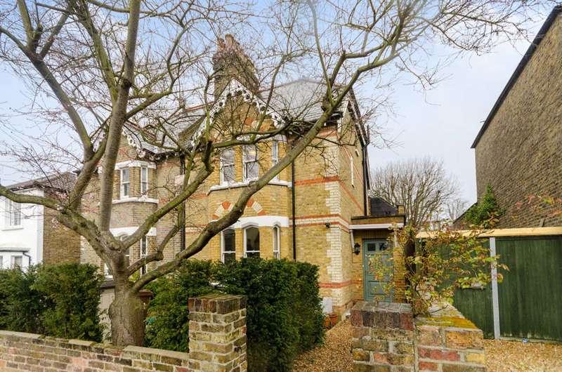 5 Bedrooms Semi Detached House for rent in Medfield Street, Putney Heath, SW15
