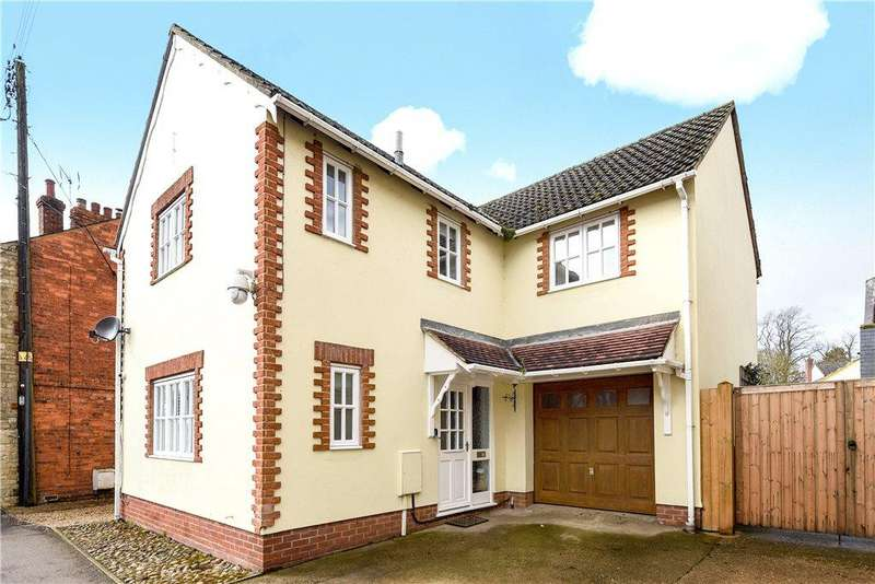 4 Bedrooms Detached House for sale in High Street, Harrold, Bedfordshire