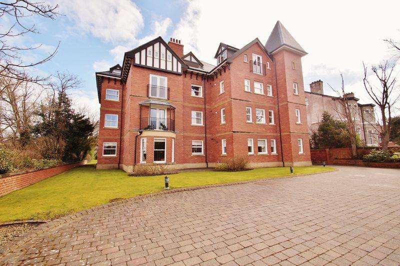 3 Bedrooms Apartment Flat for sale in Westcliffe Road, Southport