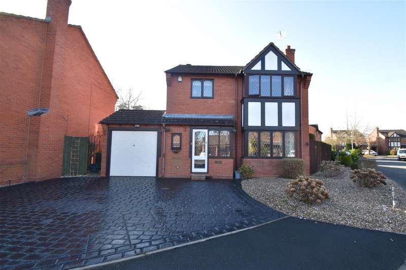 4 Bedrooms Detached House for sale in St. Augustines Close, Droitwich