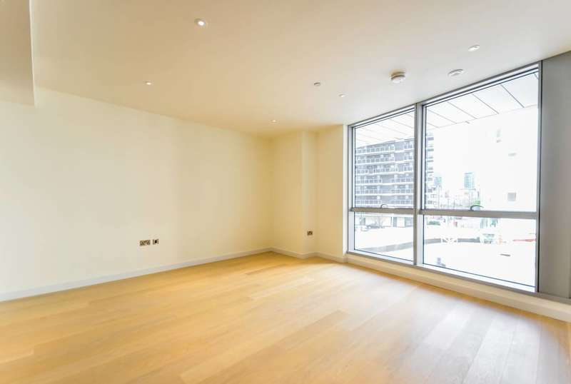 2 Bedrooms Flat for sale in Charrington Tower, Canary Wharf, E14