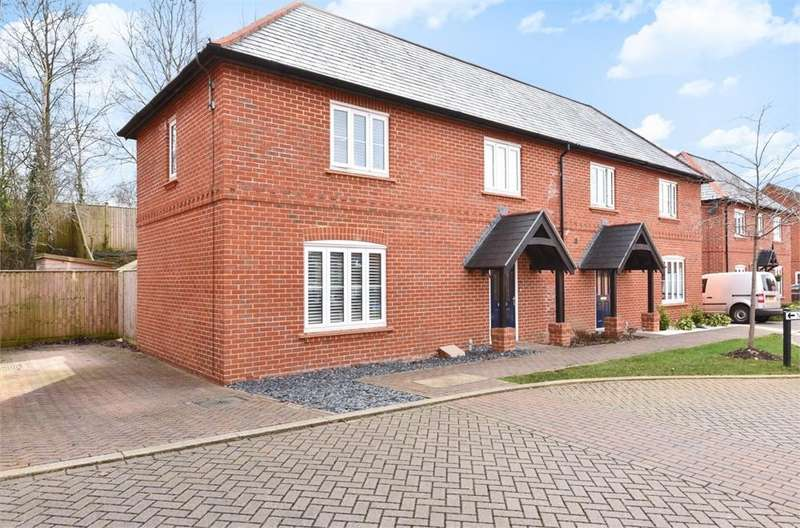 2 Bedrooms Semi Detached House for sale in Bakeland Gardens, Alresford, Hampshire