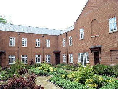 2 Bedrooms Apartment Flat for rent in Sparrows Nest, Wergs Hall, Wergs Hall Road, Wolverhampton WV8