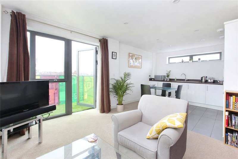 1 Bedroom Flat for sale in Bicycle Mews, Clapham, London, SW4
