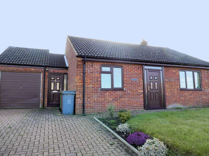 2 Bedrooms Bungalow for sale in Station Road, Reedham, NR13