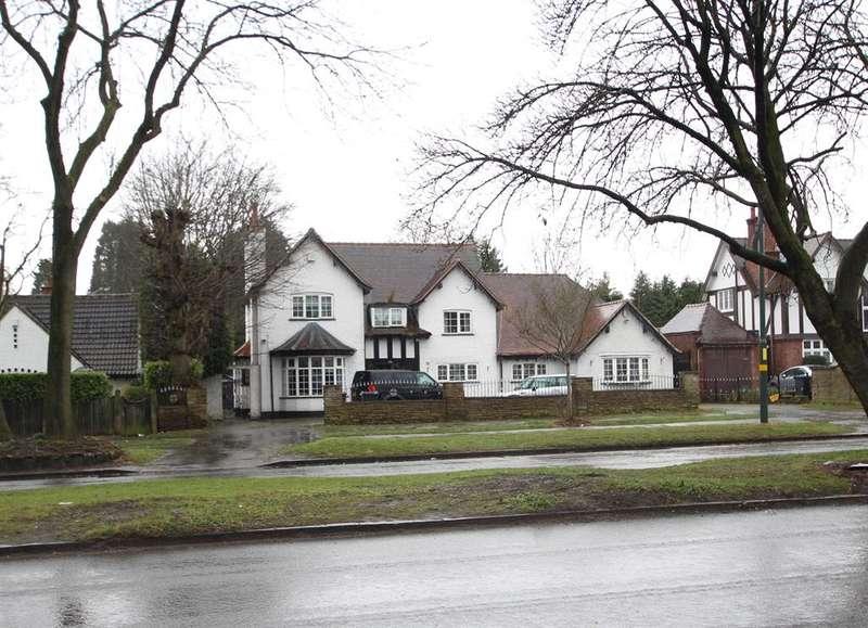 5 Bedrooms Detached House for sale in Chester Road, Erdington, Birmingham, B24 0EL