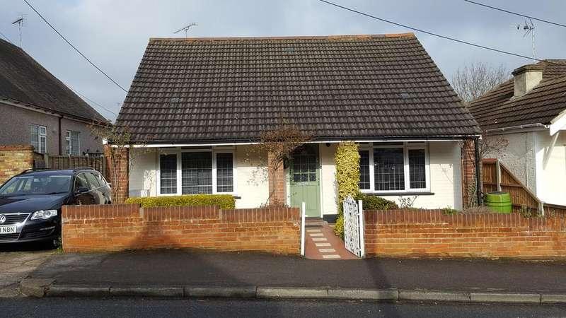 3 Bedrooms Detached Bungalow for sale in Woodfield Road, Benfleet