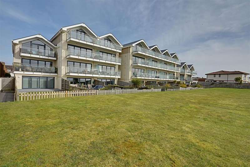 2 Bedrooms Flat for sale in Cooden Drive, Bexhill-On-Sea
