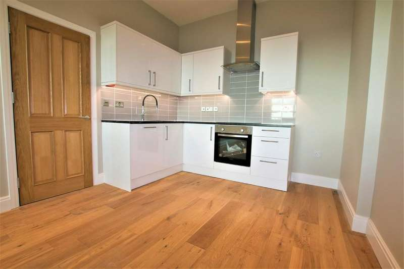 2 Bedrooms Apartment Flat for sale in Millbrook Way, Colnbrook