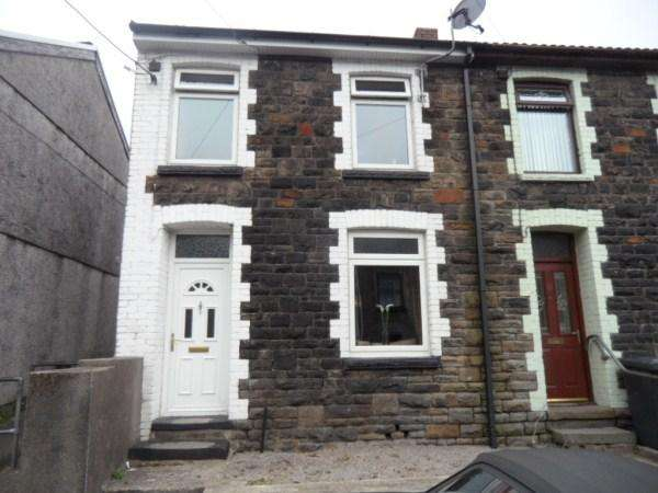 3 Bedrooms Terraced House for sale in Lancaster Street, Blaina. NP13 3EG