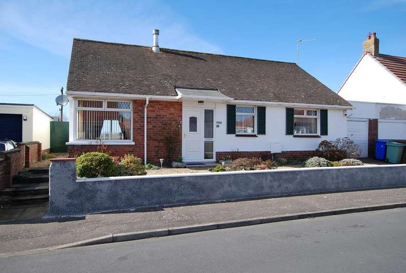 3 Bedrooms Detached Bungalow for sale in 18 Bentfield Drive, Prestwick, KA9 1TT