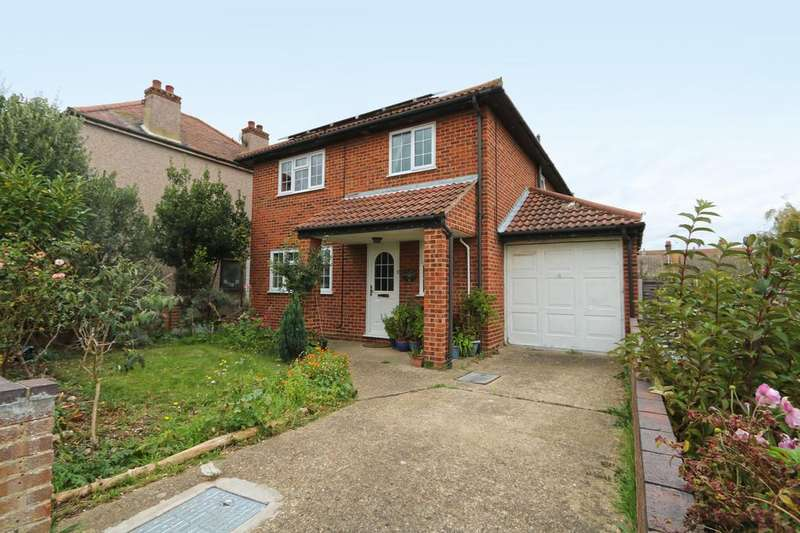 4 Bedrooms Detached House for sale in King Henry Drive, Rochford, Essex