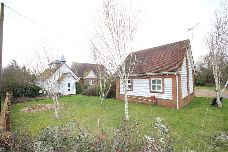 3 Bedrooms Detached House for sale in Heath Road, Weeley