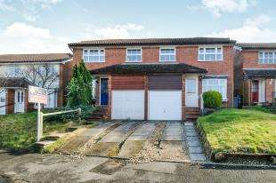 3 Bedrooms Semi Detached House for sale in The Birches, Tonbridge, Kent