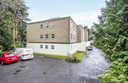 3 Bedrooms Flat for sale in 5 Wilderton Road West, Poole, Dorset