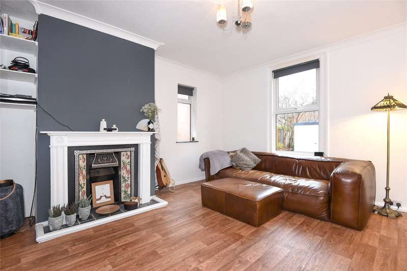 2 Bedrooms Apartment Flat for sale in London Road, Wokingham, Berkshire, RG40