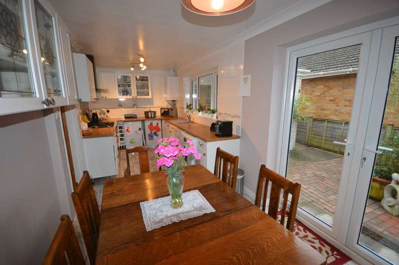 3 Bedrooms Bungalow for sale in Magnay Road, Drayton