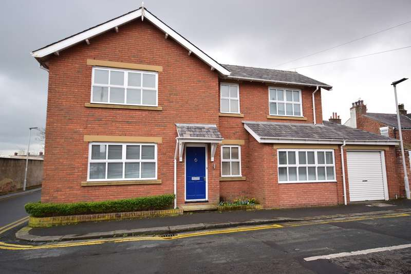 4 Bedrooms Detached House for rent in Wharf Street, Lytham, Lytham St Annes, FY8