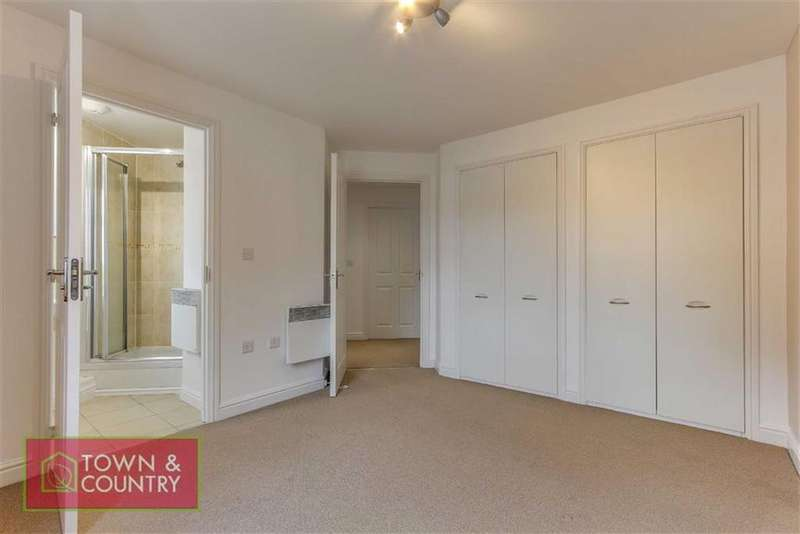 2 Bedrooms Flat for sale in Bridgewater Close, Frodsham